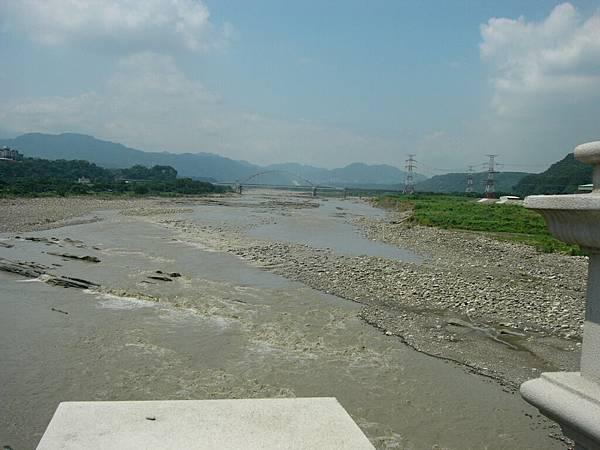 滿是泥水的大漢溪