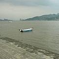 淡水很多的小漁船