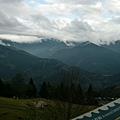 遠景是中央山脈