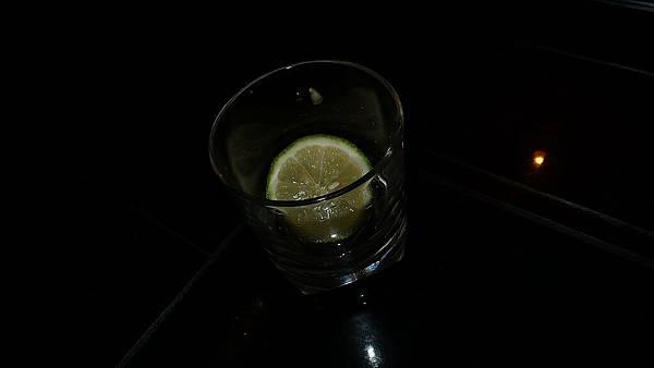 士先點的酒