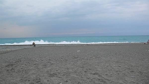 浪很大 風很大