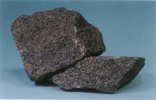 安山岩.jpg