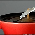 咖啡受力後產生形變