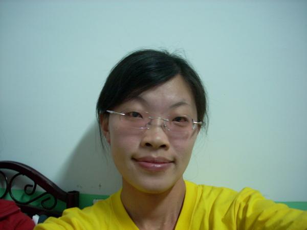 我的臉跟眼鏡一樣顏色