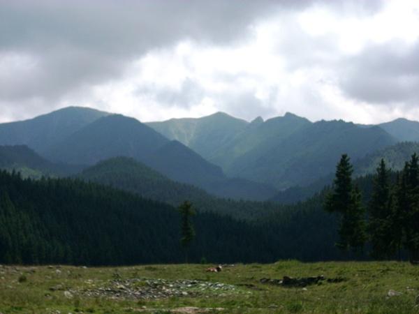 層層疊疊山