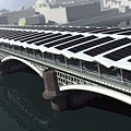 Worlds-Largest-Solar-Bridge-Crosses-The-River-Thames-1.jpg