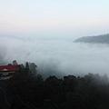 076 雲霧渺渺的日月潭.JPG
