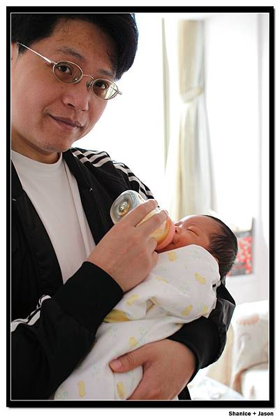 2011-04-04_03 小小J與J.JPG