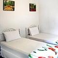 twin_room_2.jpg