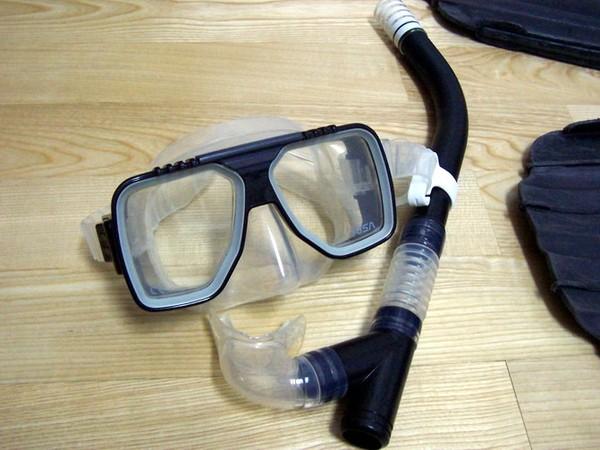 TUSA面鏡與呼吸管,當初是買浮潛型,所以較不適合用於潛水