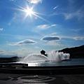 藍天‧白雲‧水池