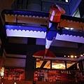 敦北店的餐廳就設在大樓中的天井空地,挺妙的!