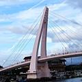 原來情人橋是粉紅色的!