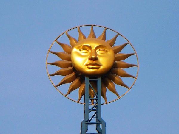 世紀鐘上的太陽