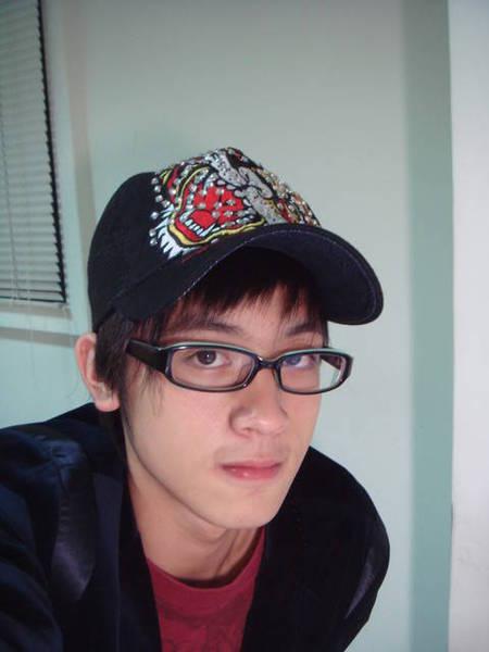 戴眼鏡ㄉ小樂也好帥喔