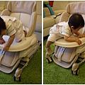 10M-71爬餐椅也很流利(0926).jpg