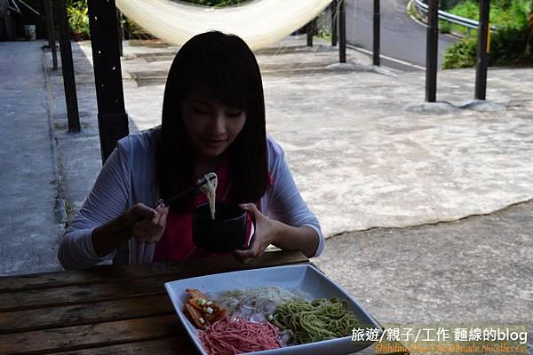 公視-拍攝手工麵線2012-07-16 (4)