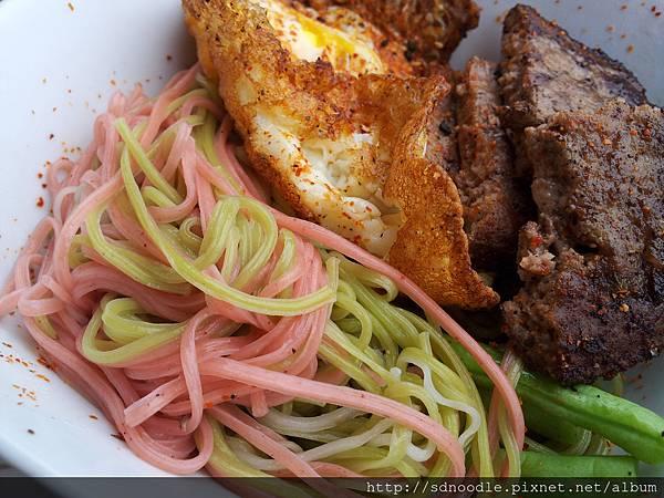 手工麵料理-漢堡牛排手工麵線