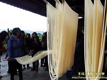 20130427_102725傳統手工麵線,參觀體驗diy