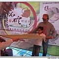 2010石碇文化節-手工麵線製作體驗-民眾拉手工麵線5.jpg