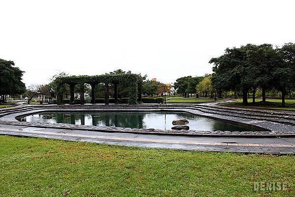 IMG_8809.jpg  池子裡是湧泉,非常乾淨