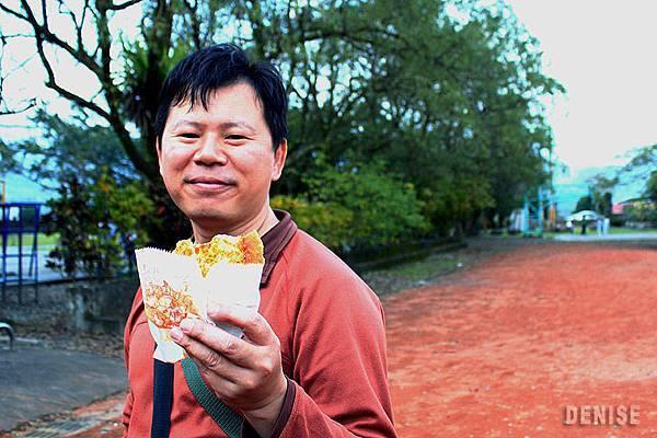 IMG_9016.jpg  阿婆的蔥油餅~~~讚啦!