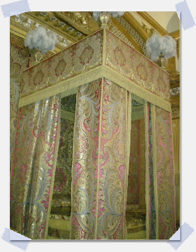 凡爾賽宮_國王寢室.jpg