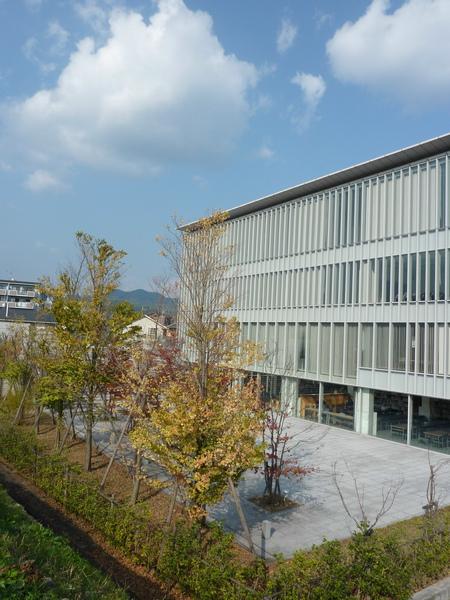 民宿往嵐山渡月橋的路上   嵯峨野藝術大學 圖書館