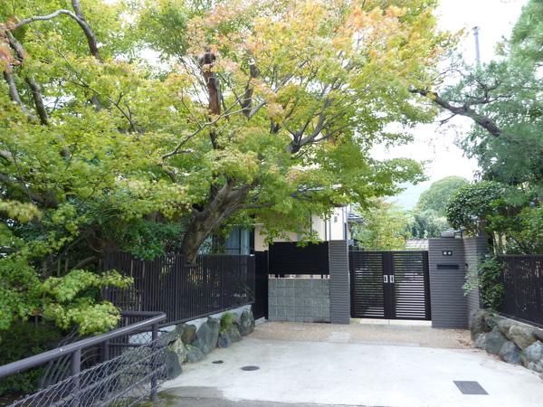 好奇沿著瀨戶走進瞧瞧  遇見一個非常豪華的民宅