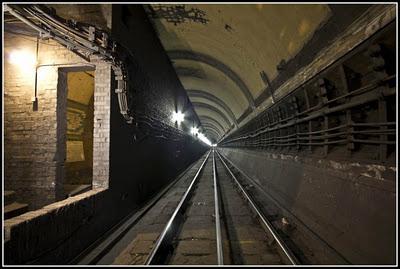 UK tube-02.jpg