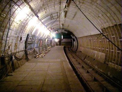 UK tube-03.jpg