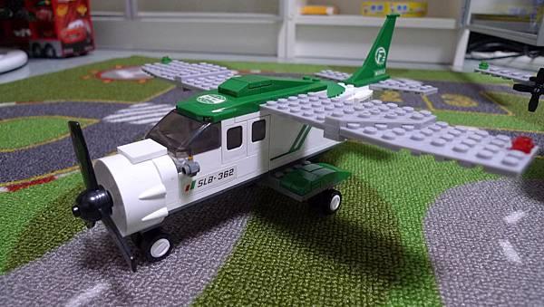 小魯班積木 航空天地 M38-B0362 小型運輸機【RMB $ 38】