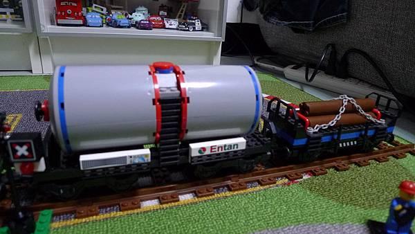 啟蒙積木 TRAIN SERIES 634 Timber Car 油罐車廂【NT $ 180】