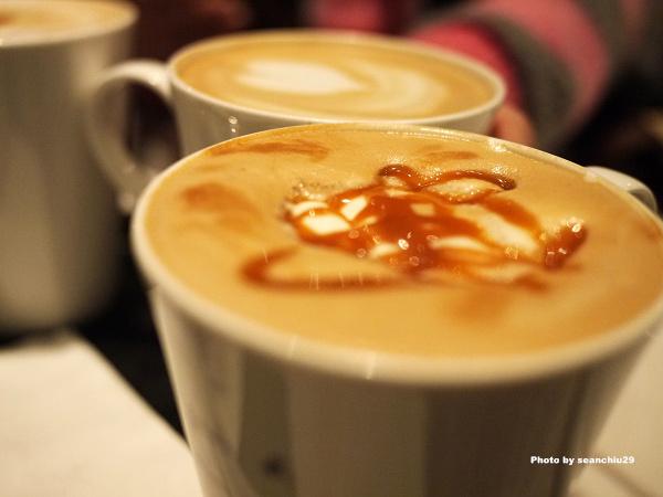 agnes b. cafe03.jpg
