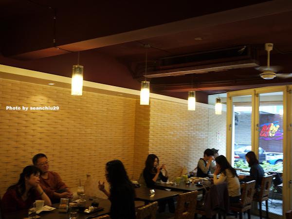 Bach Cafe02.jpg