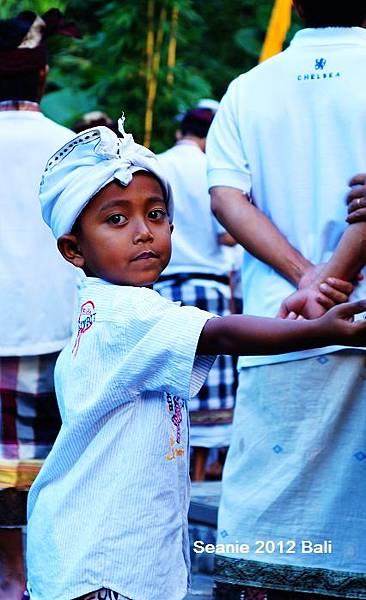 10在慶典裡的峇里島小孩
