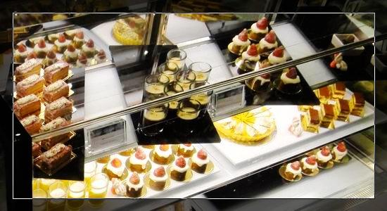 14琳瑯滿目的甜點每種都想吃.jpg