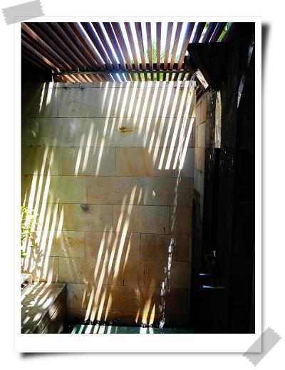 06 The Bale戶外淋浴區.jpg