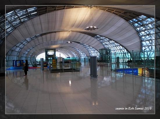 24來到曼谷機場轉機了.jpg