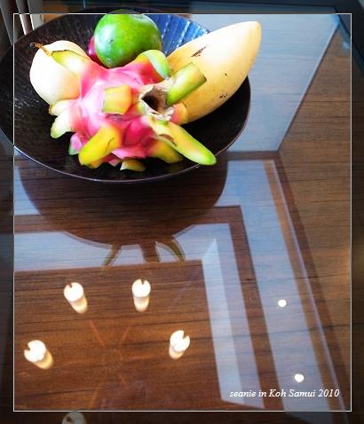 21客廳的迎賓水果.jpg