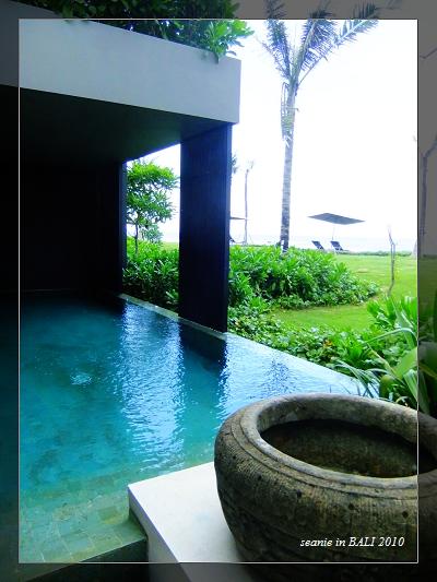 21客廳外的泳池.JPG