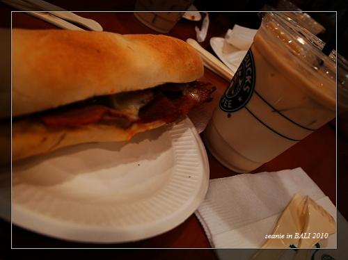 2照舊在機場吃早餐.JPG