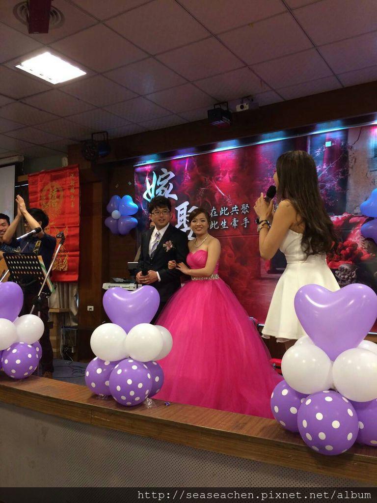 王子與好友獻唱