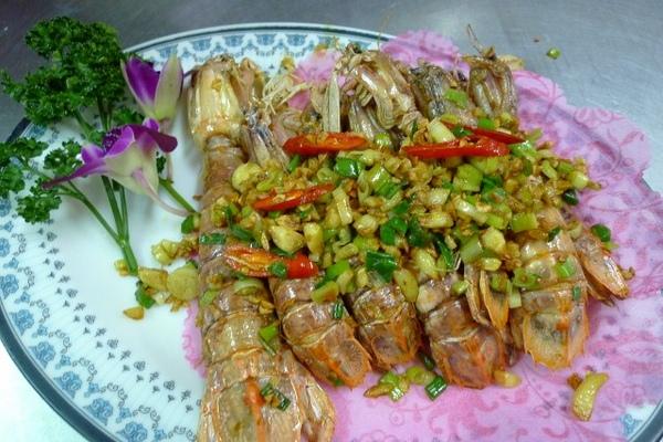 C鹹酥螳螂蝦 (640x427).jpg