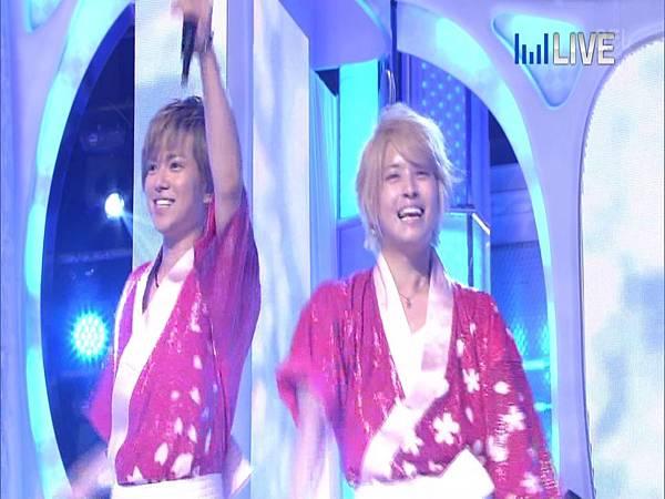20130706THE MUSIC DAY 音楽のちから - NEWS「weeeek+渚のお姉サマー」03.JPG