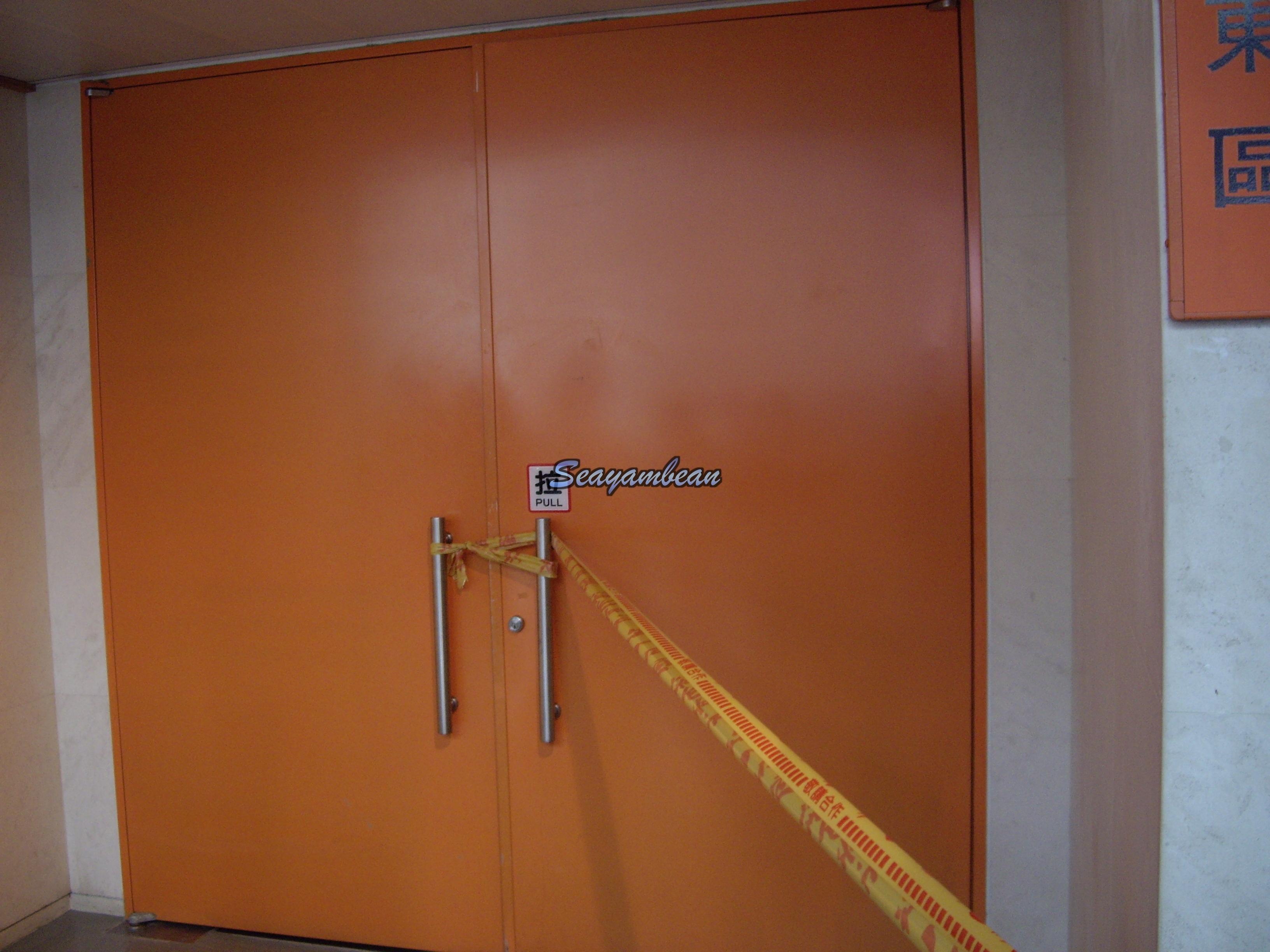 就是這扇門後有鳥寶彩排.JPG
