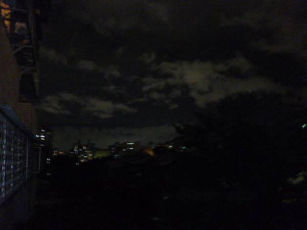 夏夜的白雲。