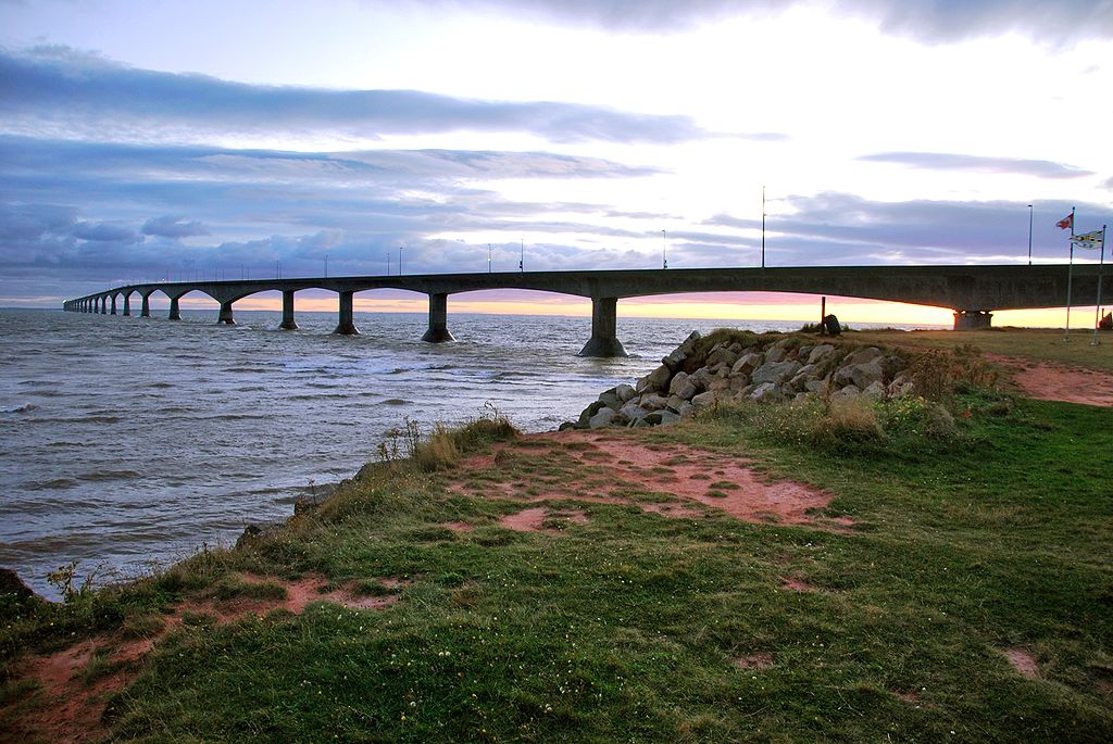 """Confederation bridge pei 2009"" by chensiyuan - chensiyuan. Licensed under GFDL via Wikimedia Commons - http://commons.wikimedia.org/wiki/File:Confederation_bridge_pei_2009.JPG#mediaviewer/File:Confederation_bridge_pei_2009.JPG"