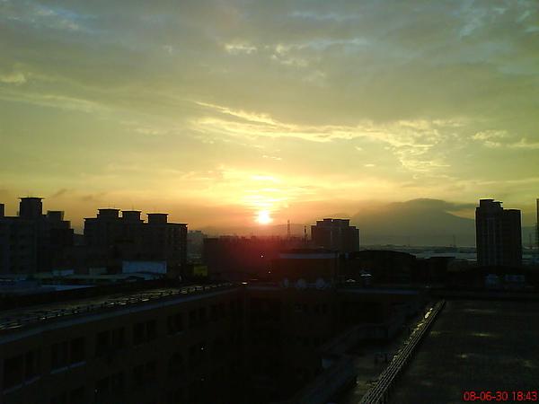 七樓的夕陽220080630.JPG