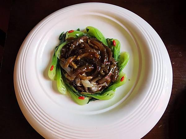 圖1 京蔥燒海參